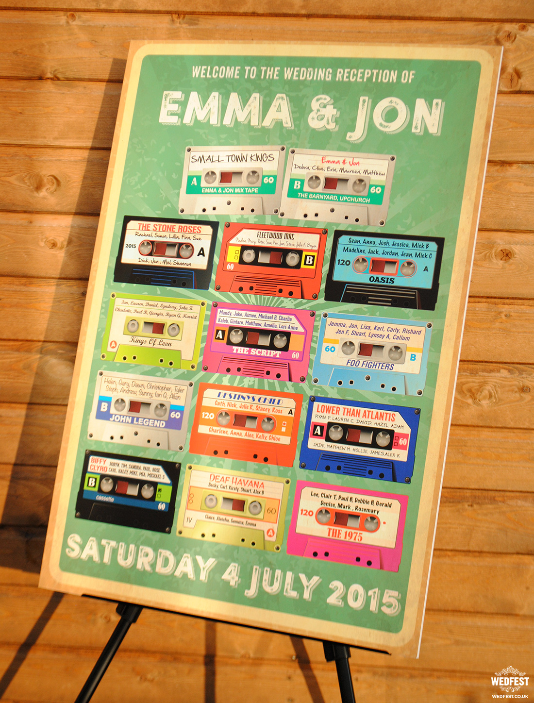retro cassettes wedding seating plan