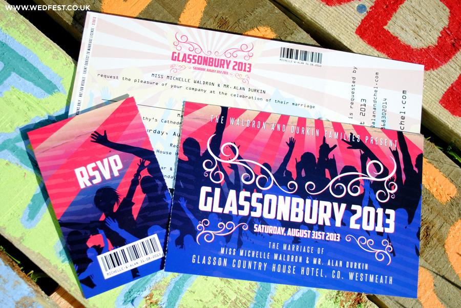 invitaciones de la boda del festival de Glastonbury