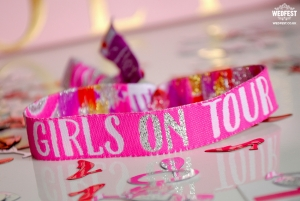 girls on tour hens party wristband