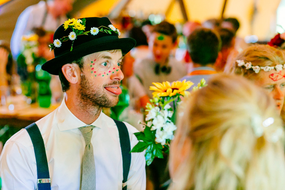 festival sussex wedding glastonbury tipi wedding