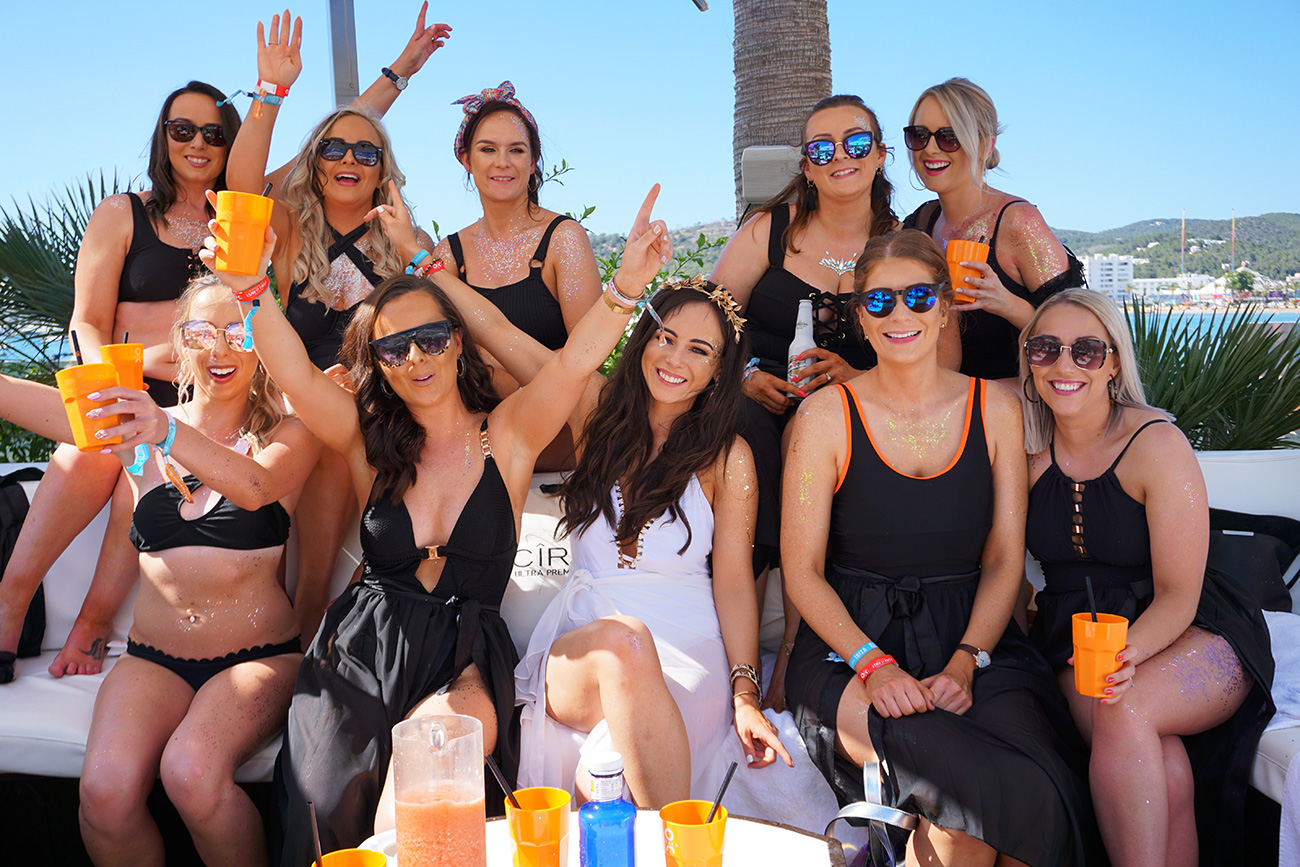 ibiza hen party o ocean beach club